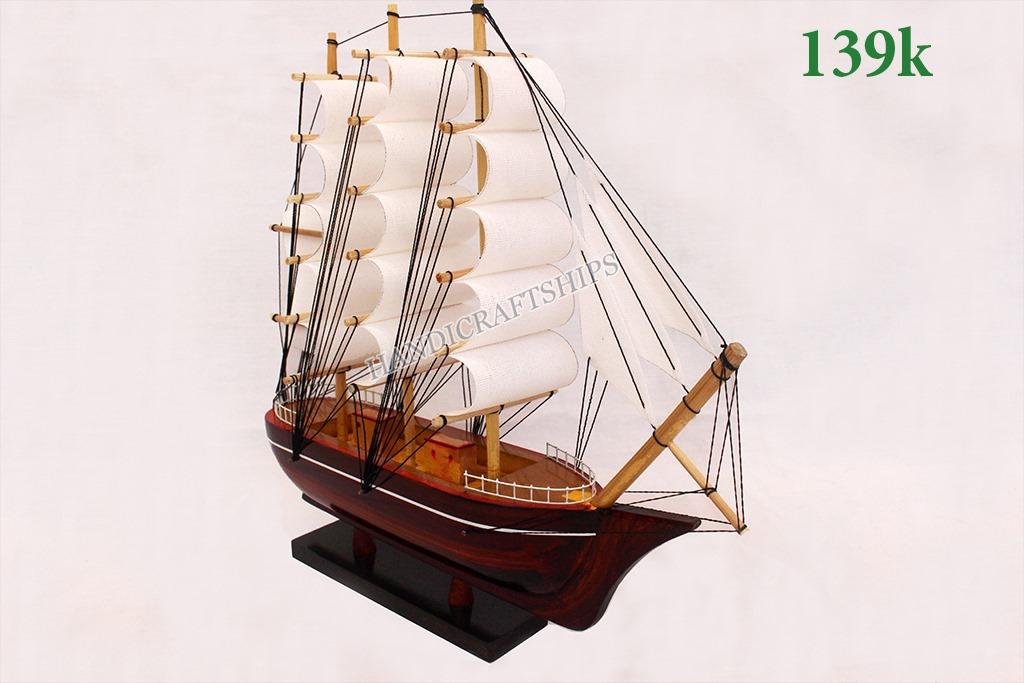 Thuyền AQ130
